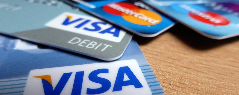 Pri otvaranju PayPal računa, korisnik unosi broj svoje kreditne kartice.